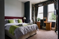 Room 1 or Launcelot. Twin/double room ensuite with bath and shower