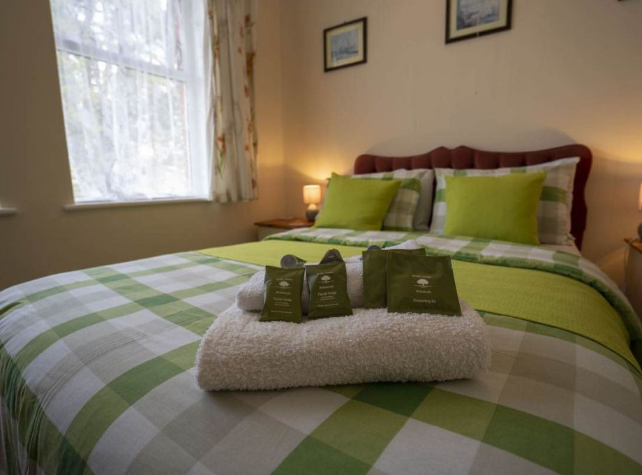 Avalon Guest House - Newquay Cornwall - Bedroom 3 - Perceval - avalonguesthousenewquay.co.uk 2
