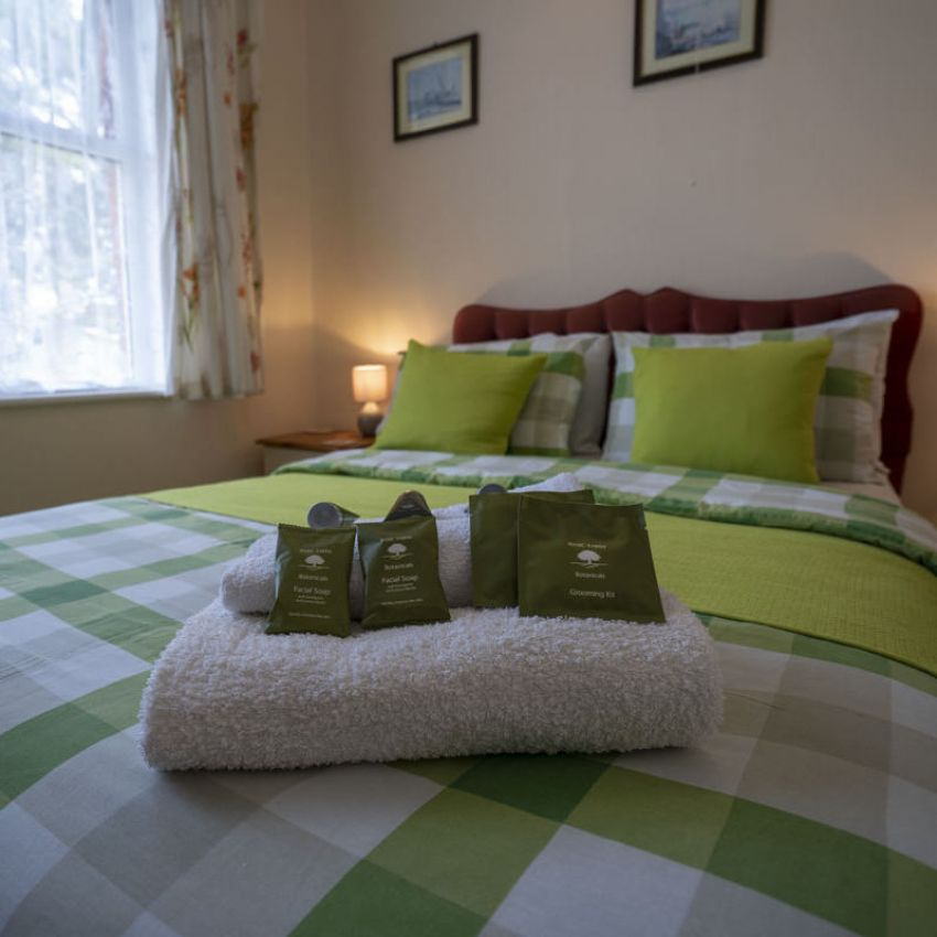 Avalon Guest House - Newquay Cornwall - Bedroom 3 - Perceval - avalonguesthousenewquay.co.uk