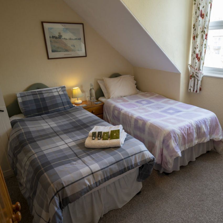 Avalon Guest House - Newquay Cornwall - Bedroom 5 - Tristan - avalonguesthousenewquay.co.uk
