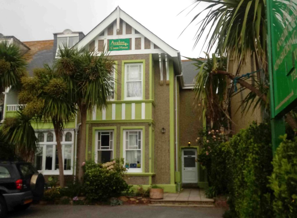 Avalon Guest House serviced accommodation newquay cornwall