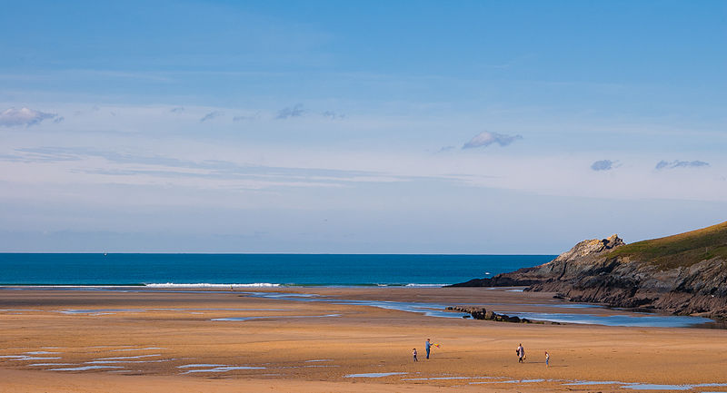 Crantock_Beach_Newquay_Cornwall-Avalon-Guest-House-Newquay-Cornwall-avalonguesthousenewquay.co_.uk_