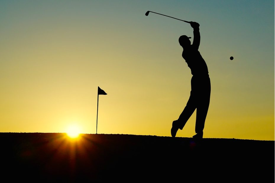 golf courses in newquay - Avalon Guest House Newquay Cornwall - avalonguesthousenewquay.co.uk - Image by Hebi B. from Pixabay