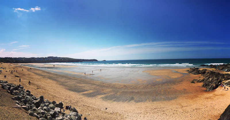 Newquay Cornwall UK - Avalon Guest House - avalonguesthousenewquay.co.uk - sunny-day-at-the-beach-at-newquay-cornwall
