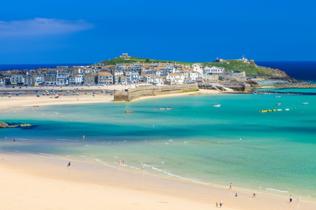 Cornwall Family Holidays - Avalon Guest House - avalonguesthouse.co.uk