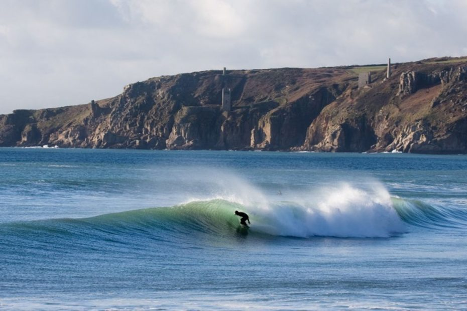 Surfing In Cornwall - avalonguesthousenewquay.co.uk