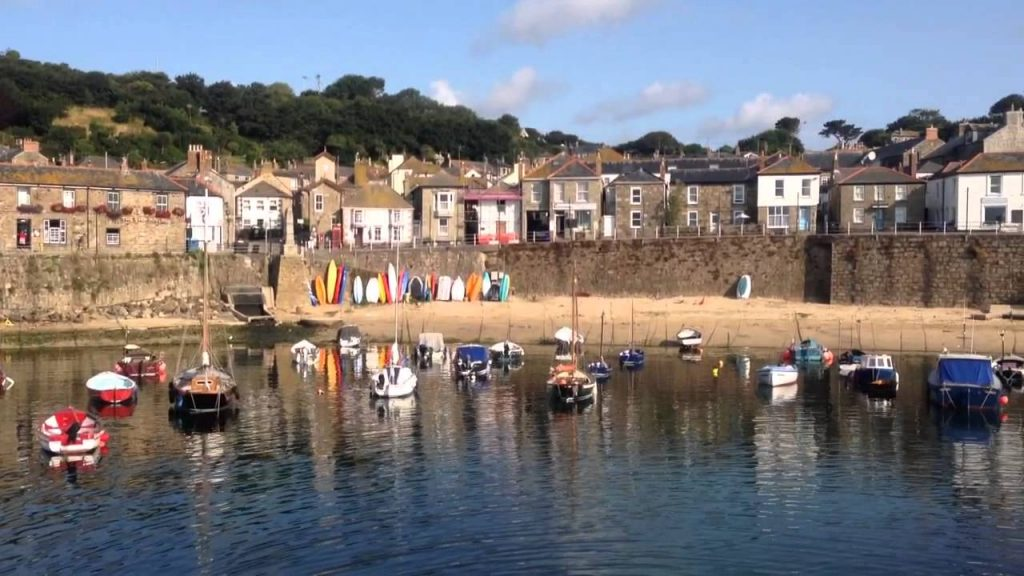 Mousehole Harbour - avalonguesthousenewquay.co.uk