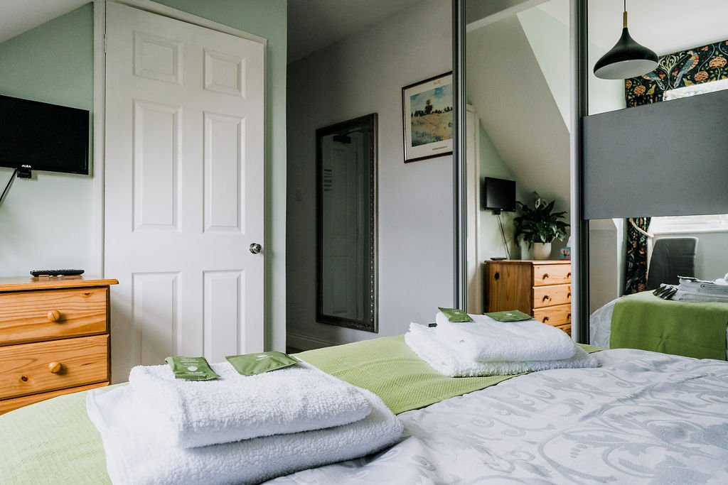 Tristan - double ensuite guest room - AvalonGuestHouseNewquay.co.uk
