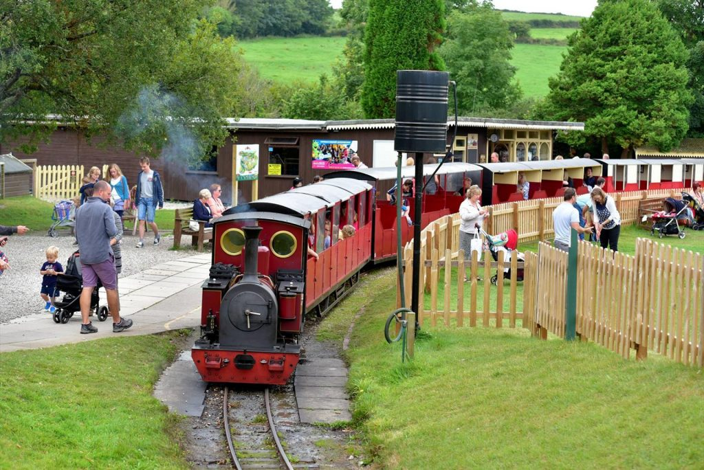 Lappa Valley Steam Railway-avalonguesthousenewquay-avalonguesthousenewquay.co.uk